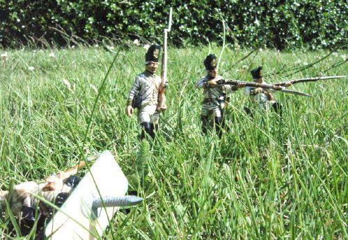 Italeri 1/32 scale Austrian infantry, with the Mk I lawn spike